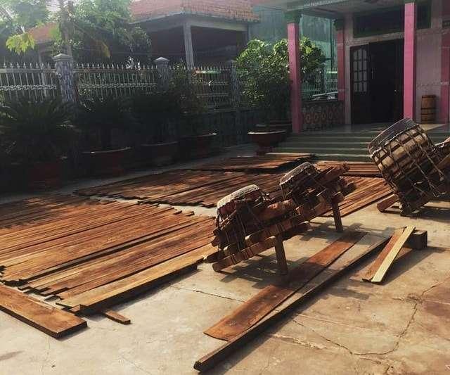Phơi gỗ tự nhiên bằng cách xếp chồng