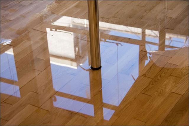 Sàn gỗ thường xuyên bị ngập nước